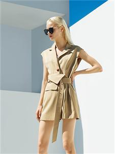 例格女装21春新款时髦套装