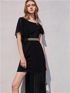 卡尼欧2021夏时髦小黑裙