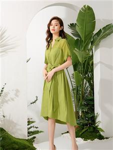 曼保睐绿色连衣裙