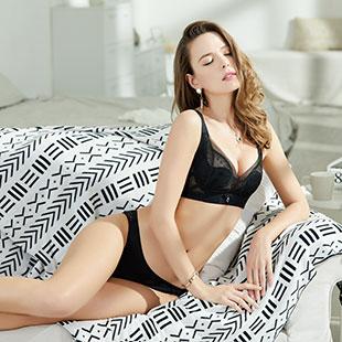 开内衣店选什么品牌好,亲闺密语内衣款式多样化,产品舒适度好!