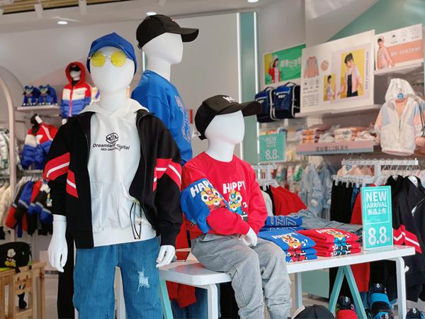 红蜻蜓童装品牌形象店品牌旗舰店店面