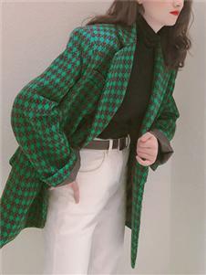 桔尚女装21春格纹西服外套