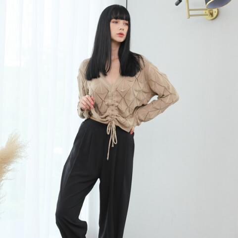 艾诺绮带你领略春日的优雅穿搭!