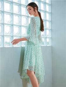 金蝶茜妮新款收腰连衣裙