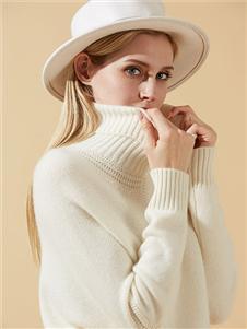 荣冠米白色羊绒衫