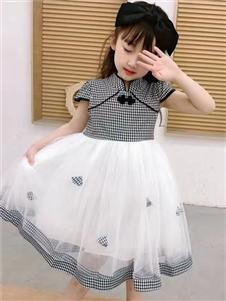 动漫童话格子连衣裙