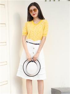 简约风情女装2021简约风情夏季新款黄色T恤
