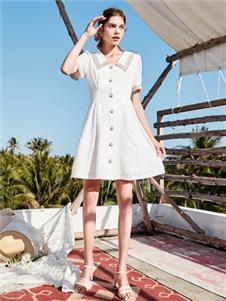 春美多女装2021春美多夏季新款白色连衣裙