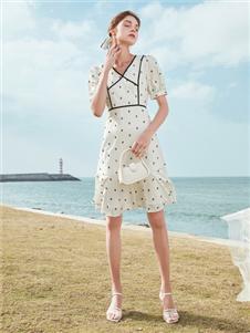 春美多女装2021春美多夏季新款连衣裙
