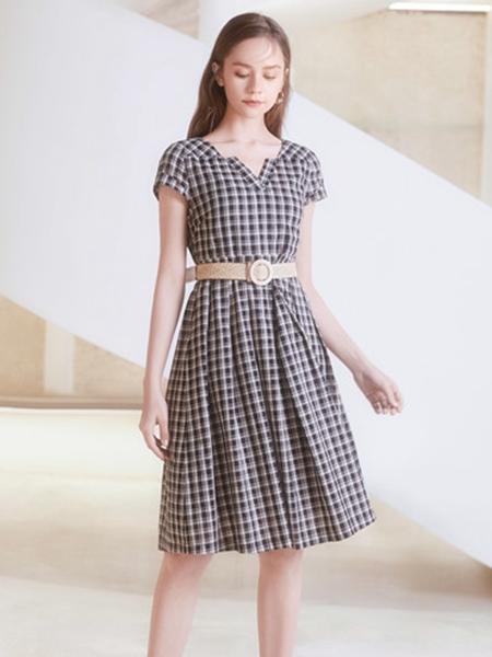 2021凡恩夏裝新款格子連衣裙