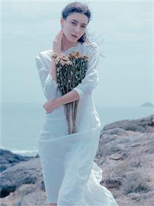 Wood plus+氏伽白色时尚连衣裙