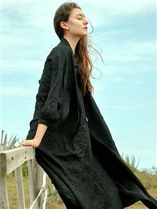 Wood plus+氏伽黑色连衣裙