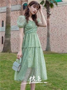 佐色长款连衣裙