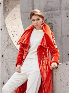 蜜汐薇儿红色羽绒服