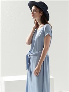 2021约布夏装蓝色连衣裙