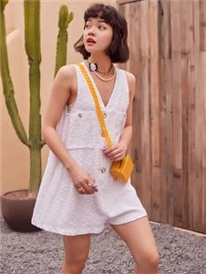 2021TITI夏装新款白色连体衣