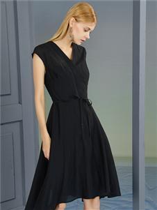 2021婕依妮女装黑色连衣裙