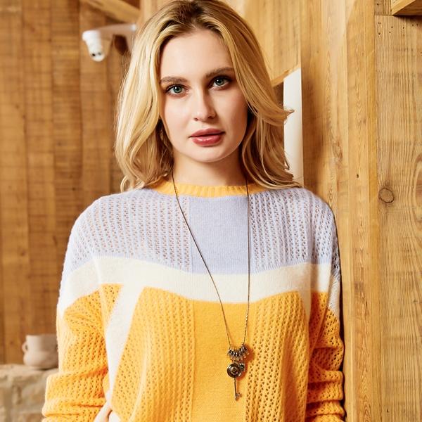 初秋穿搭的舒適選擇—榮冠薄款羊絨衫,先睹為快!