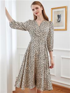 雁騰逸時尚氣質連衣裙
