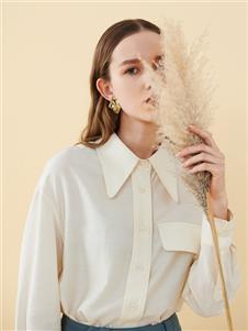 2021沙与沫秋装米色衬衫