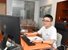 红豆党员先锋陈龙:我们就是要挑战不可能!