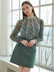 金蝶茜妮新款短裙