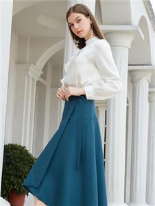 金蝶茜妮新款青色半身裙