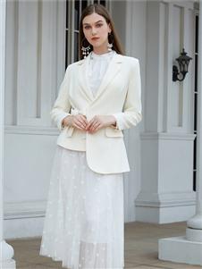 金蝶茜妮新款白色西服外套