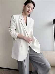 珂希莉新款白色西服外套