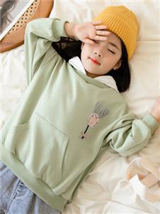 西瓜王子童装西瓜王子新款浅绿色卫衣