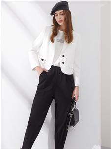 2021丽芮秋装白色短款外套