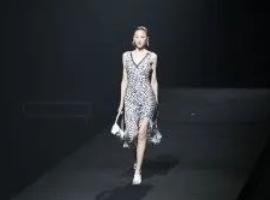 卡蔓|「衣」有所思 2022年春夏時裝新品發布會魅力上演